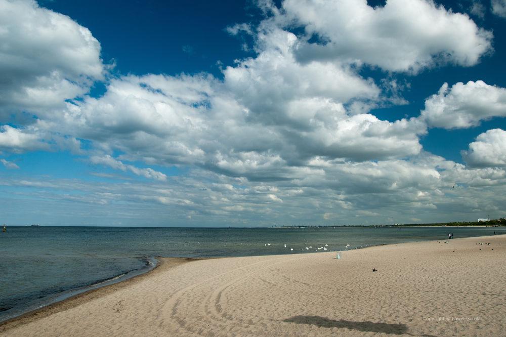 Sopot beach by Pawel Gerula