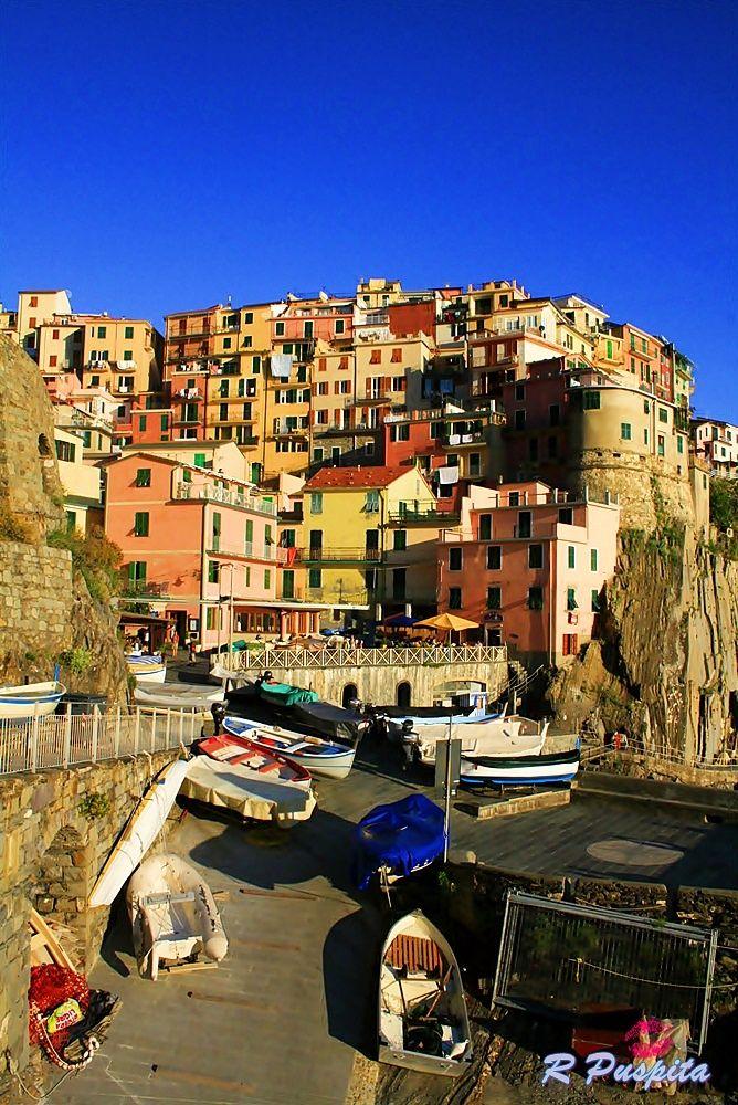 Manarolla Cinque, Italy by rennypuspita11