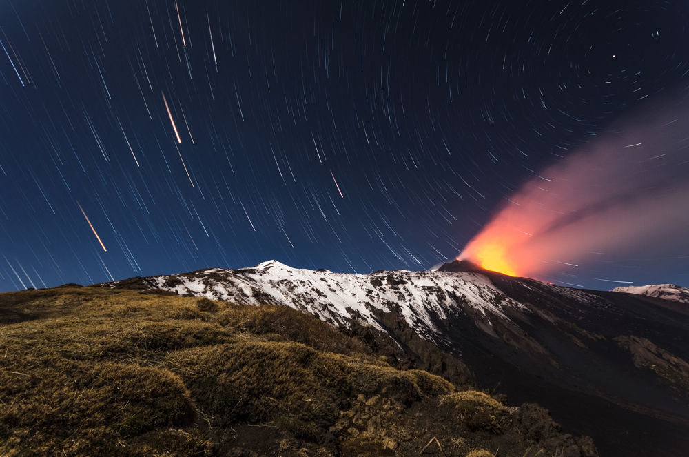 Startrails with eruption by marcocalandra89