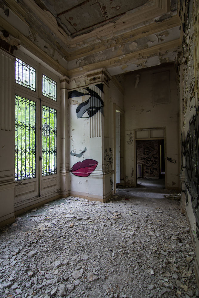 Photo in Random #urbex #tag #decay #castle #château