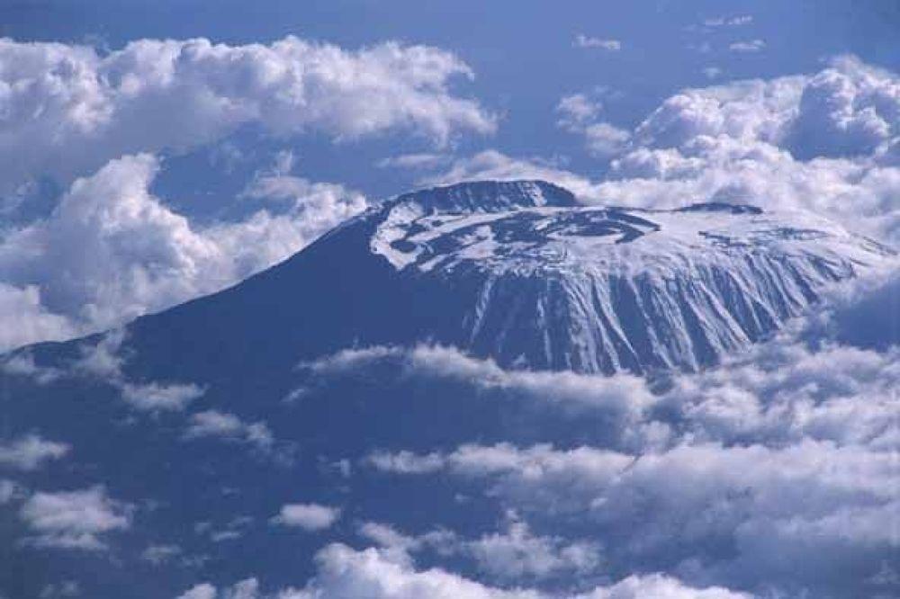 Kilimanjaro1 by arashkarimi