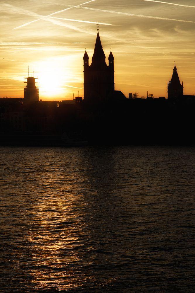 Sundown by Joachim Lehmann