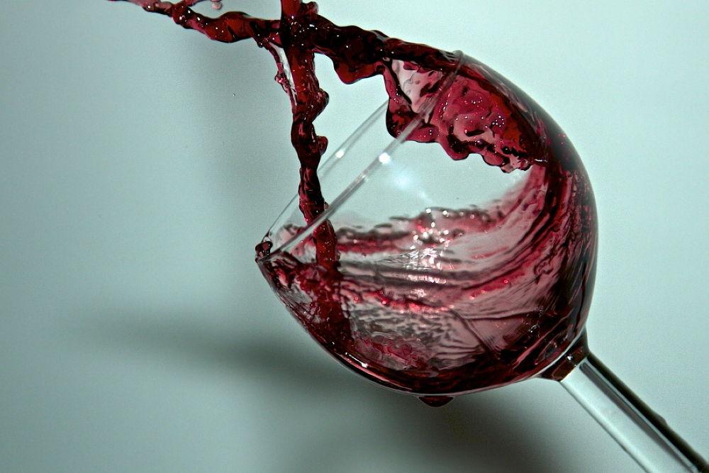 un altro bicchiere. by  Graziano Biancheri