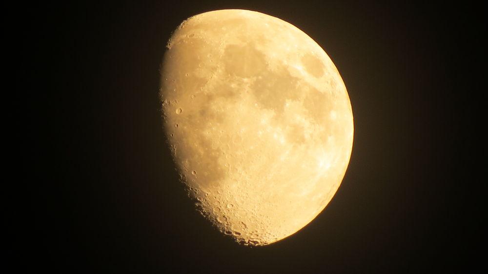 My Moon by 1001tiwa