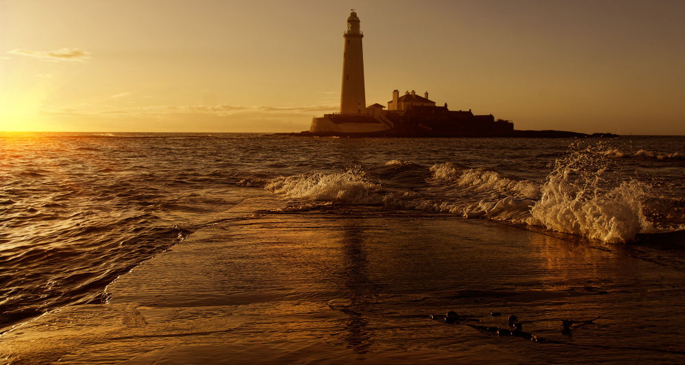 lighthouse-72.jpg by Ray Bilcliff
