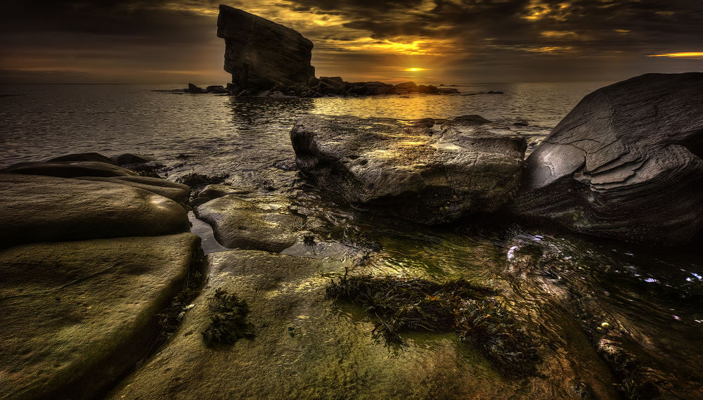 Dawn at Big Rock by Ray Bilcliff