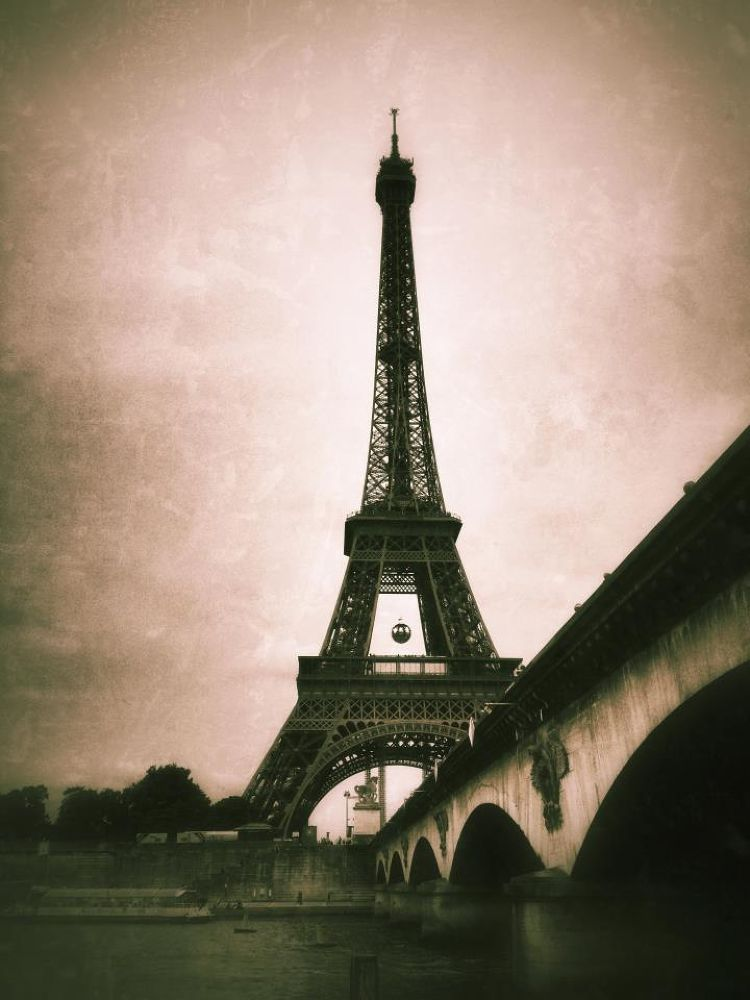 EIFFEL TOWER  by stephaniejeudi