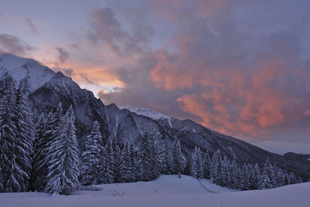 Romanian Mountains by RoxaneRadu