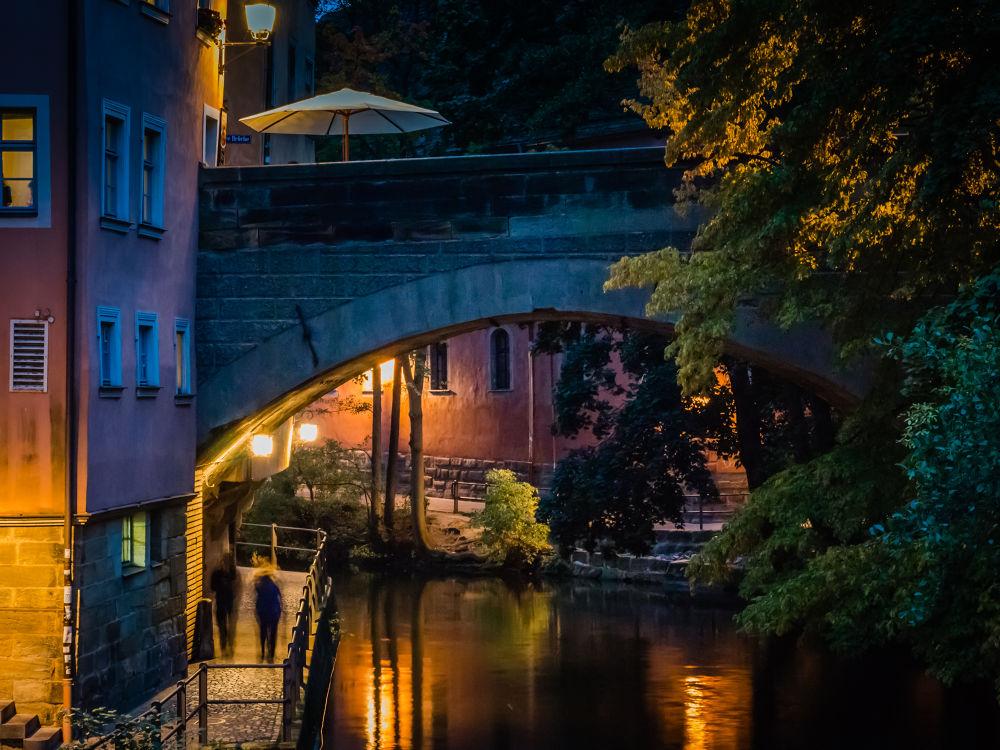Obere Brücke bei Nacht by Oliver Penack