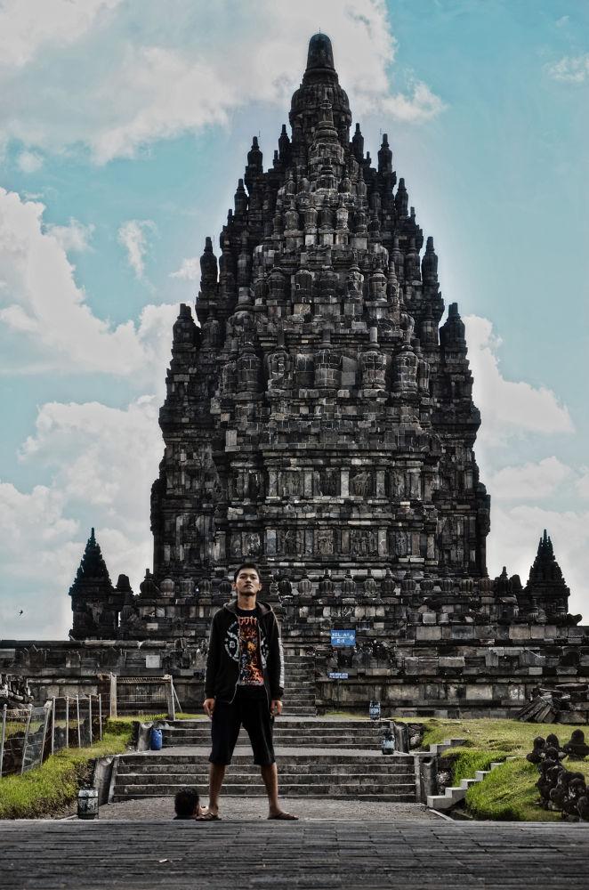 prambanan temple by abhiechitroredjo