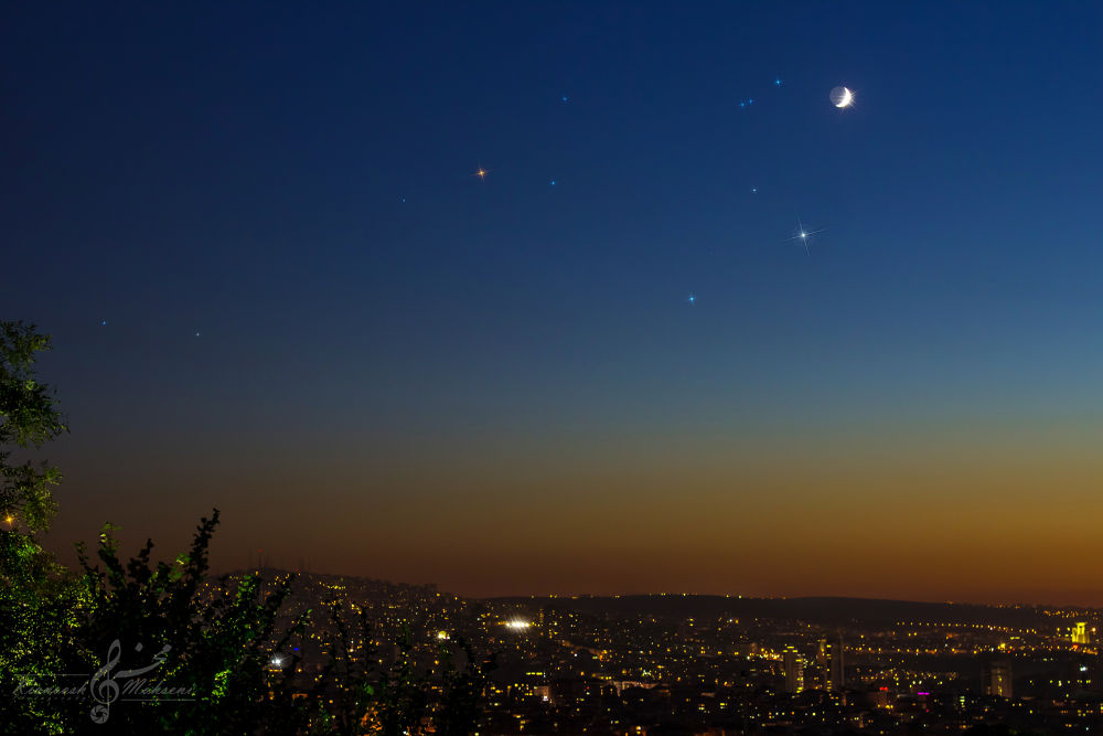 Moon And Venus Conjunction by kianooshmohseni
