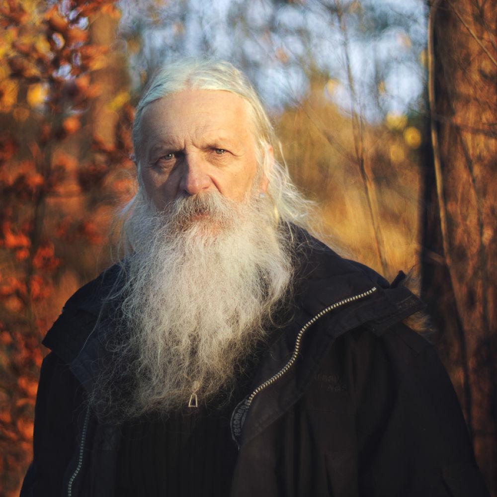 Photo in Portrait #zagórski #daniel #portrait #light #color #autumn #old #man #forest