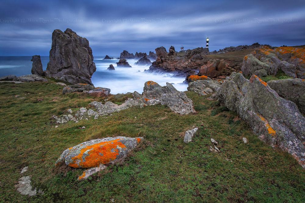 Photo in Nature #ushant #ouessant #france #bretagne #brittany #finistère #penn ar bed #mer #iroise #ocean #atlantique #atlantic #phare #lighthouse #blue #hour #roks #lee filters #mathieu #rivrin #long exposure #night #créac'h #5dmk2 #canon #17-40