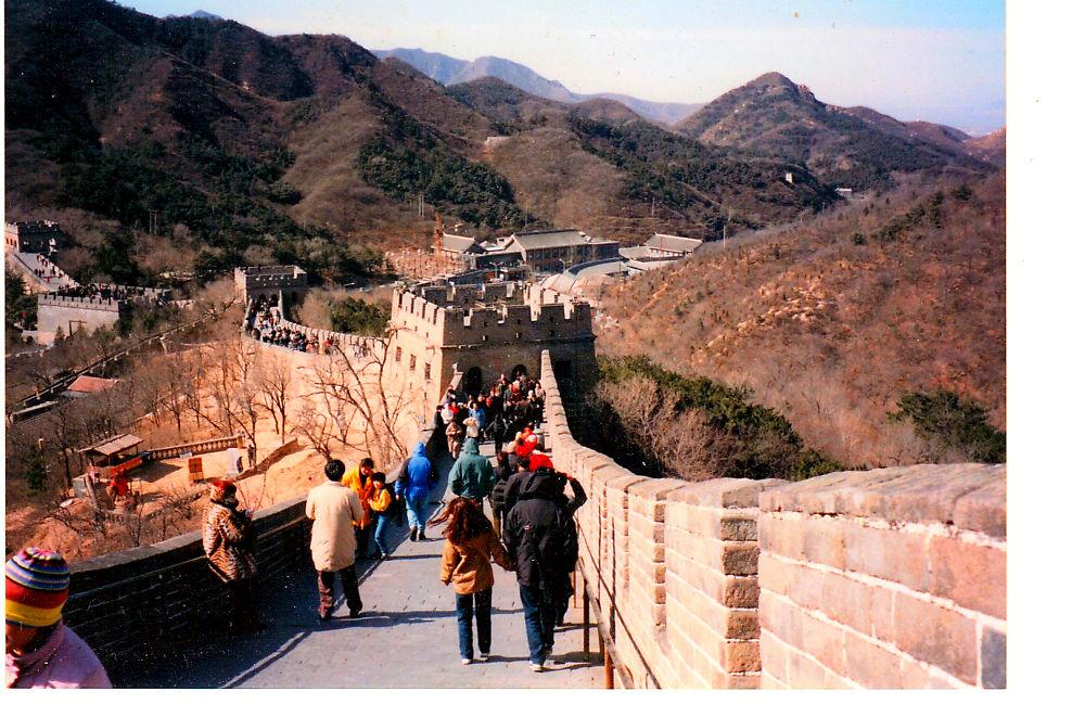 Chinesische Mauer 2001 by Helmut Schneller
