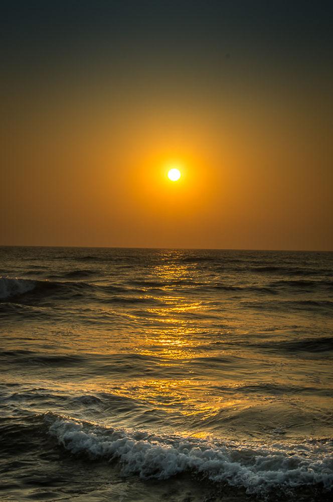 Sunset on Wadduwa beach  by Andreas