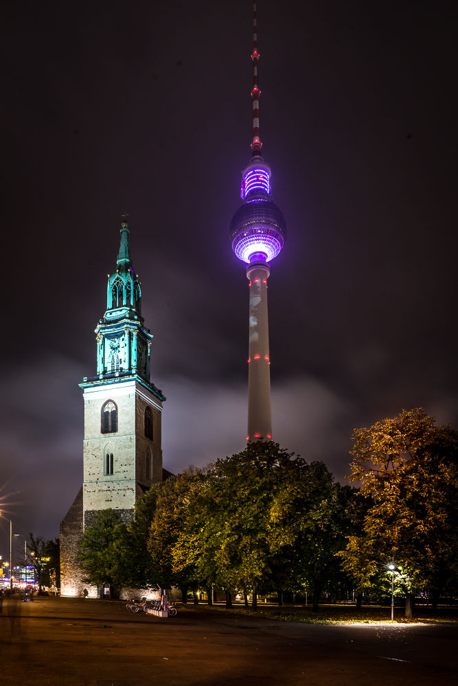 Berlin - night view to the tv tower  by Andreas