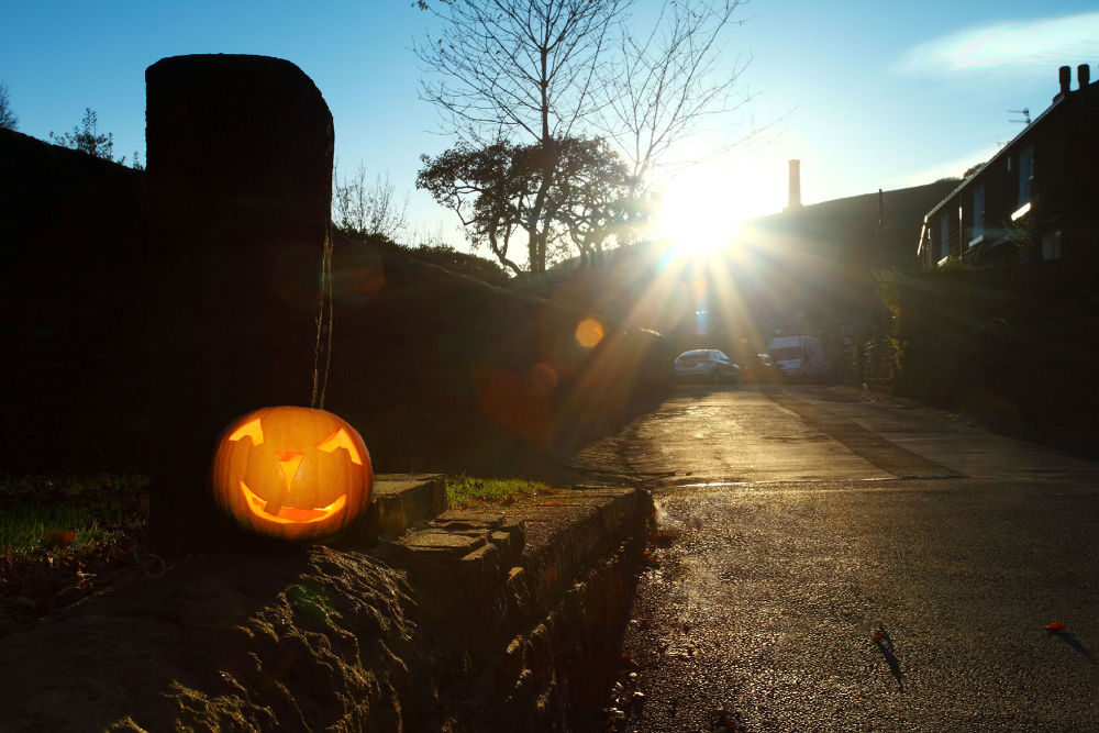 Sunset over pumpkin by lilian Lingwood