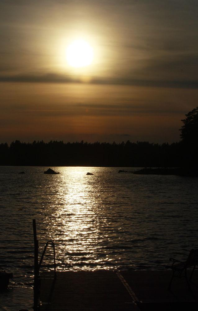 Sundown by monanorrman