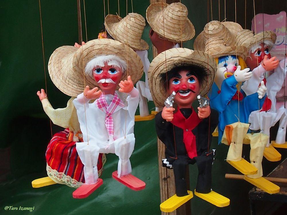 MXICAN HATS & GO GO GO! by TaroIzanagi