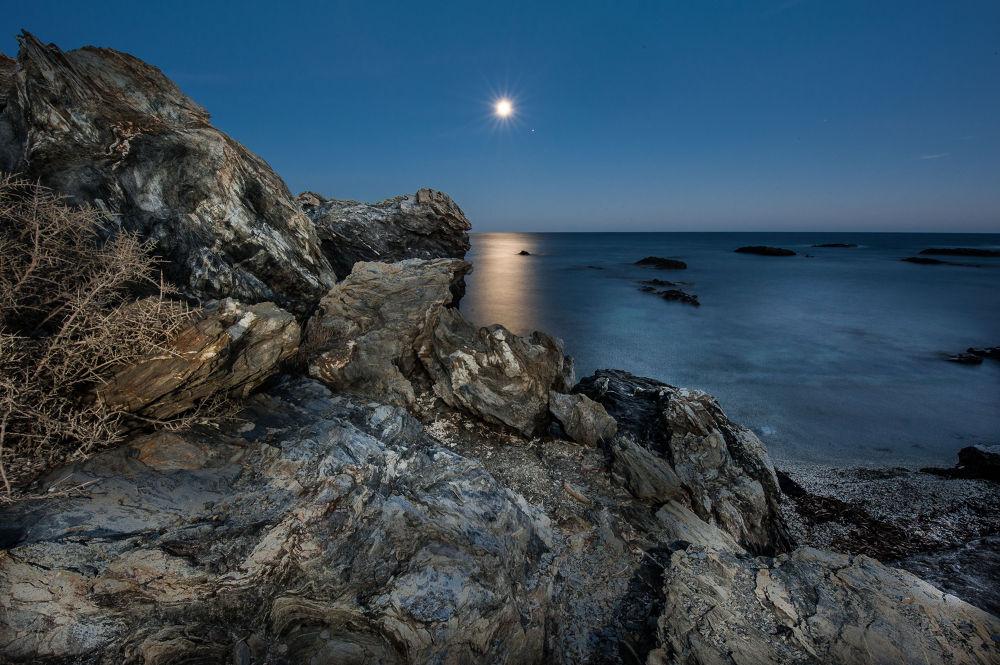 Reflejos de Luna by josemanuelpelaezmortera