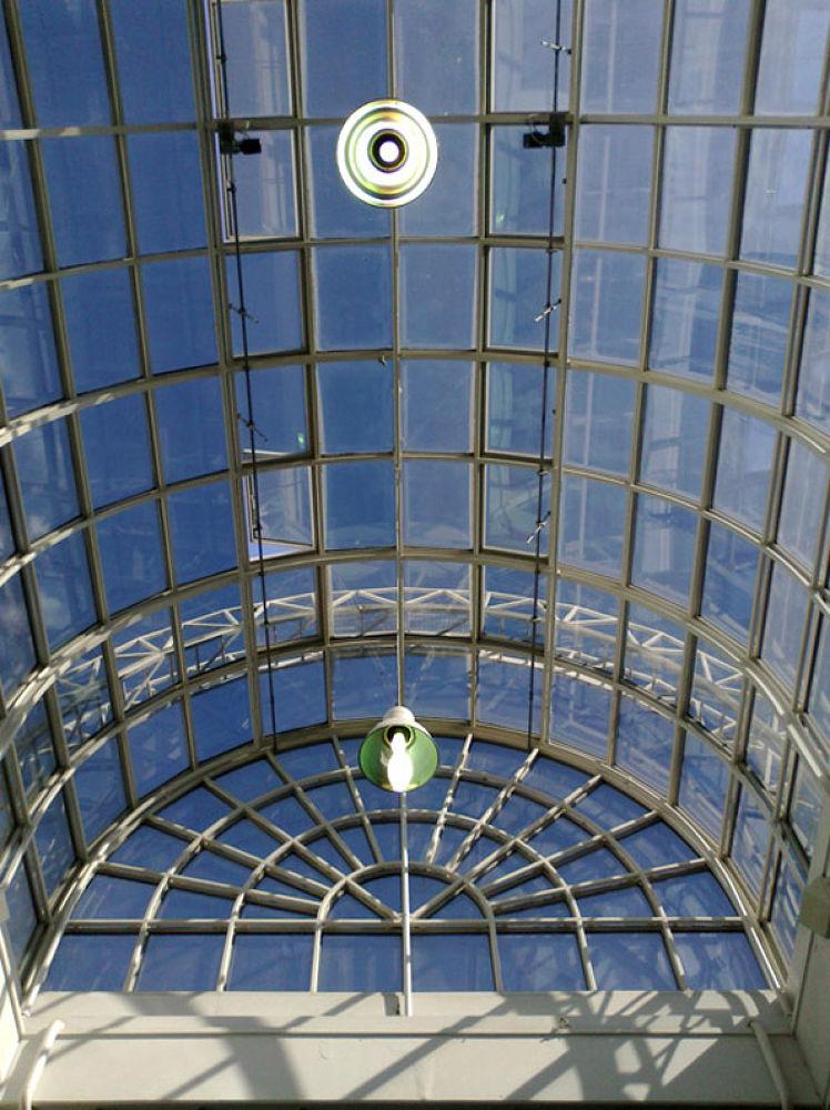Curved Glass by Heljä Kostiainen