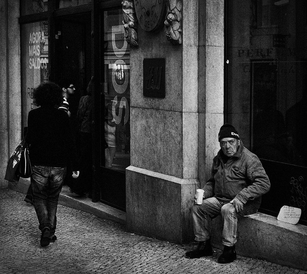 on Lisboa street by Chris Bosch