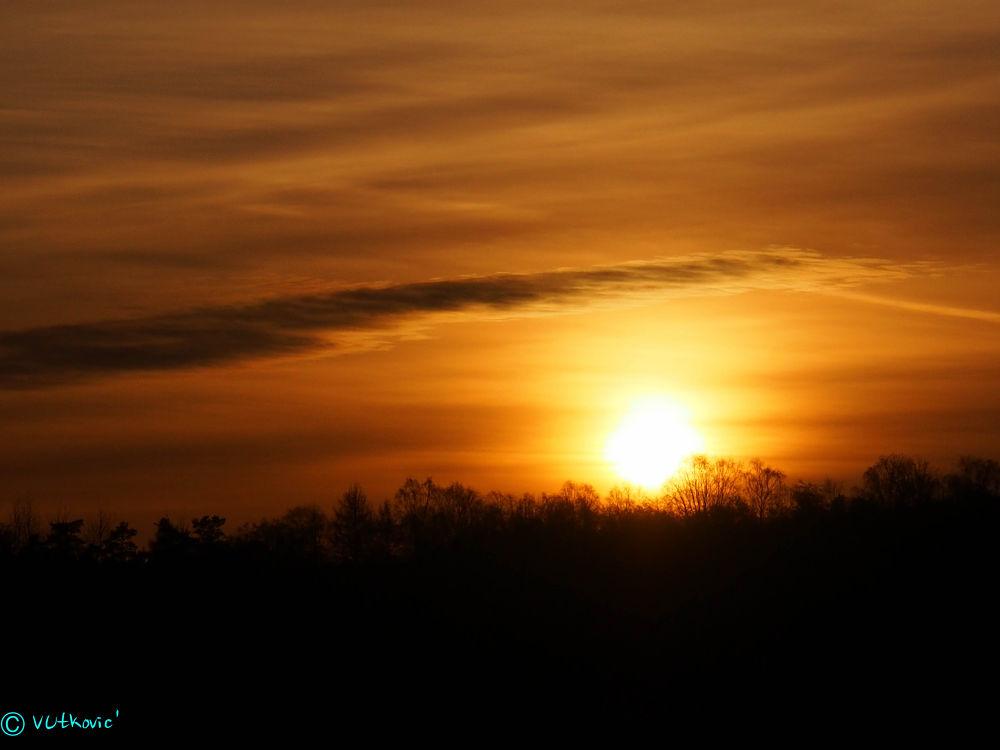 Sundown by victor utkovic