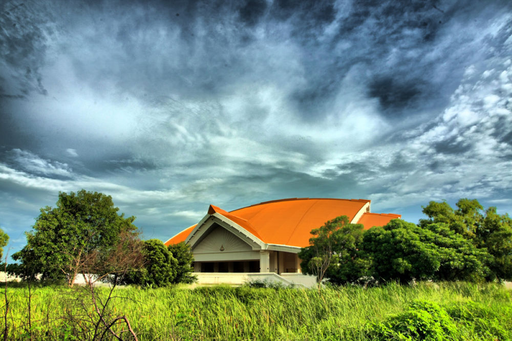 Golden Jubilee Convention Hall. by Chot Chatpinit