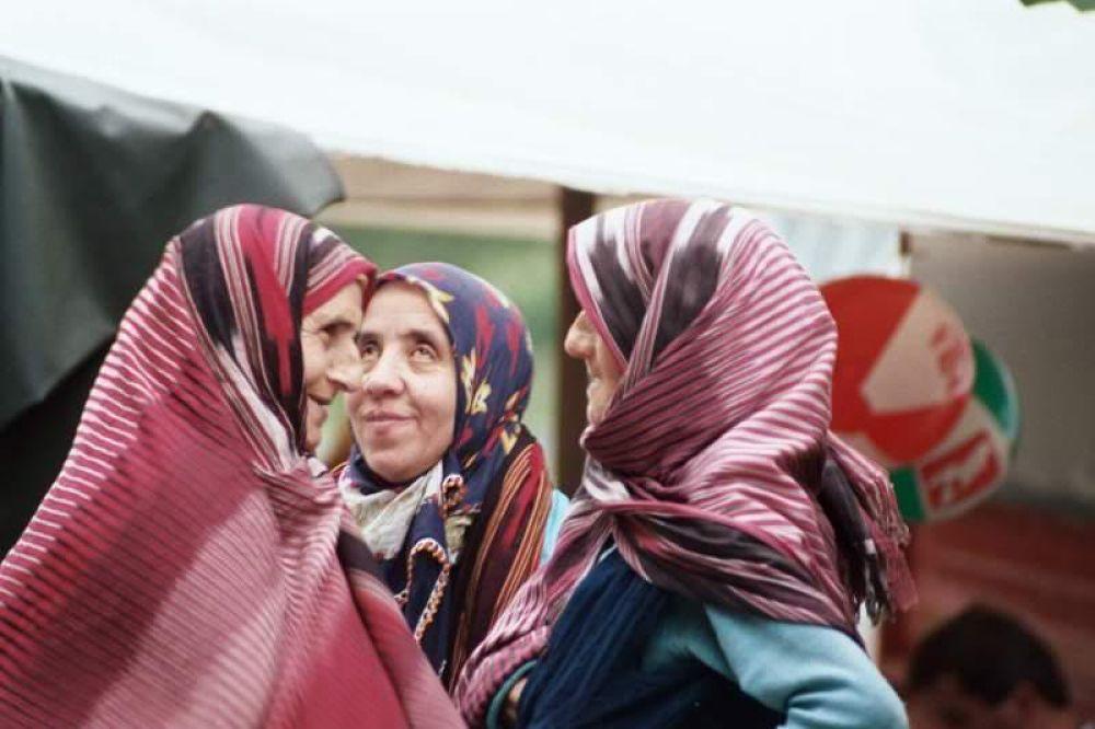 Women At Work. by Yehuda Yahav