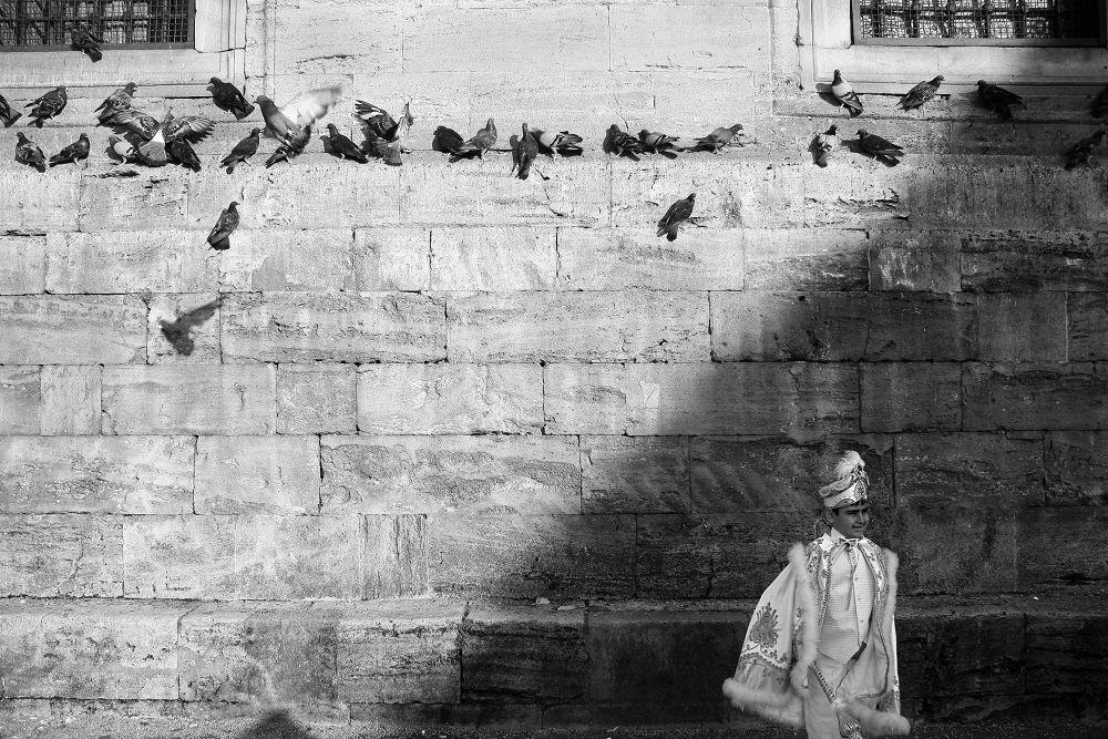 Photo in Street Photography #istanbul #eminönü #canon 40d #said #siyah beyaz