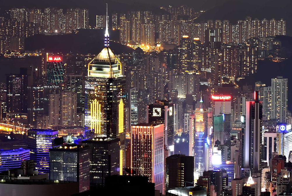 Hongkong At Night by melscookiesncake