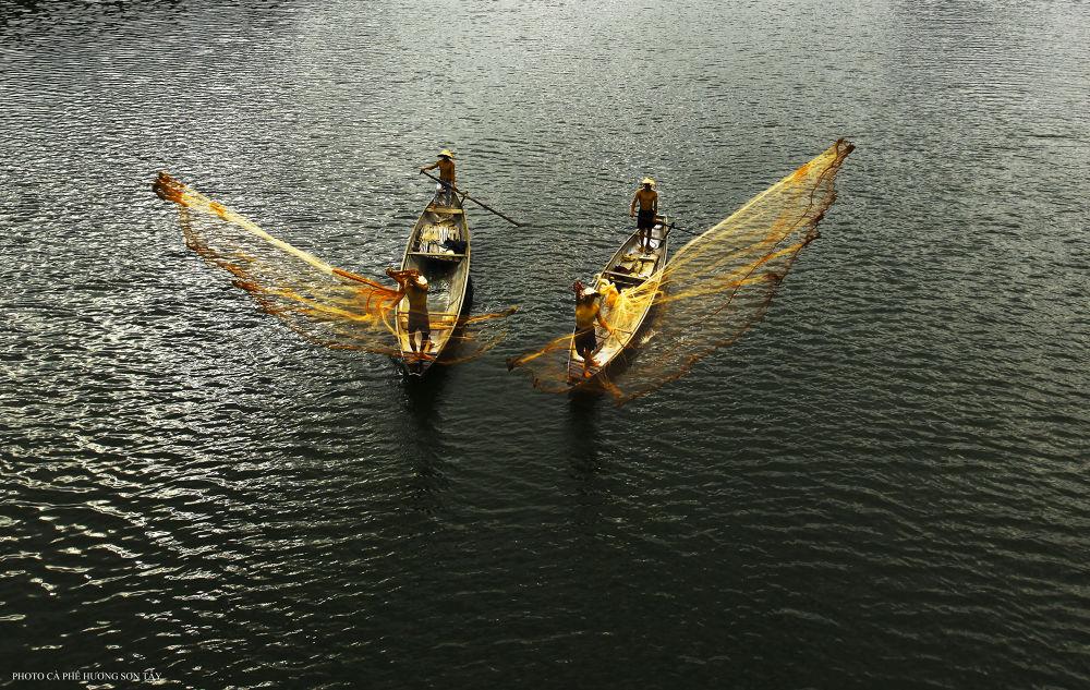 Fishing net - Vietnam  by cafehuong