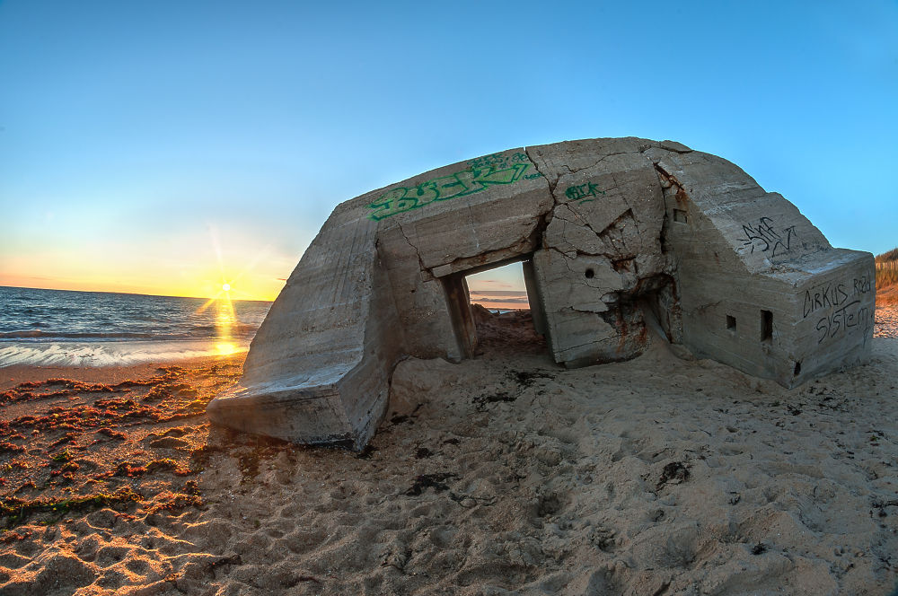 The Tilted Bunker by Matthieu Lumen