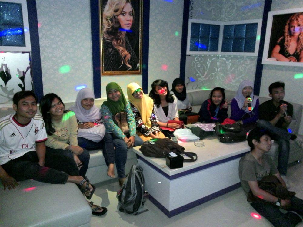 karaoke @diva bintaro by friskadeborasitinjak