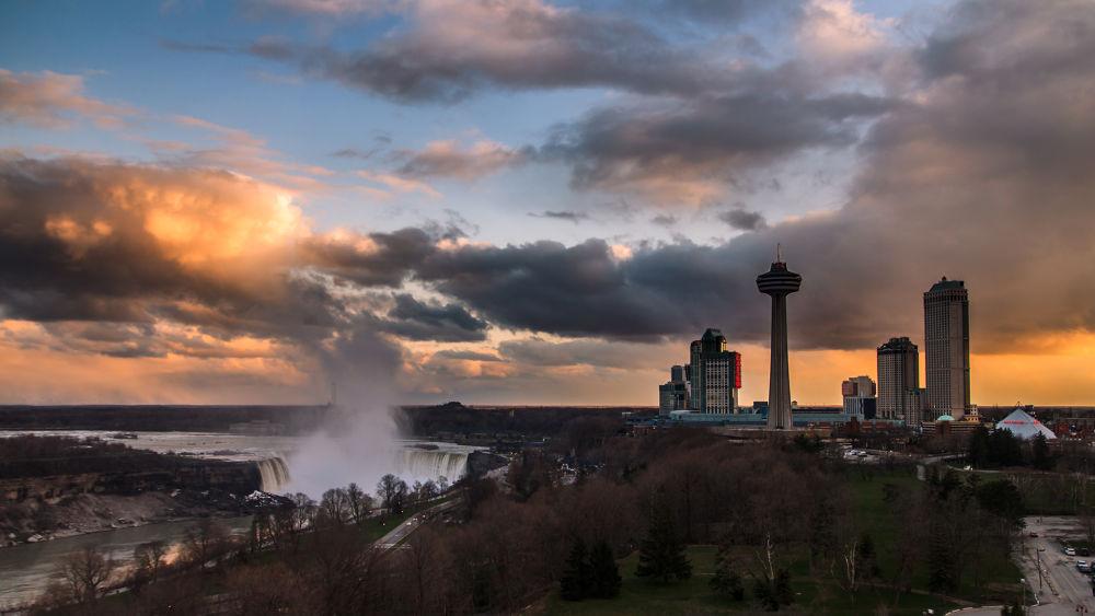 Sunset on Niagara by FLoR1aN