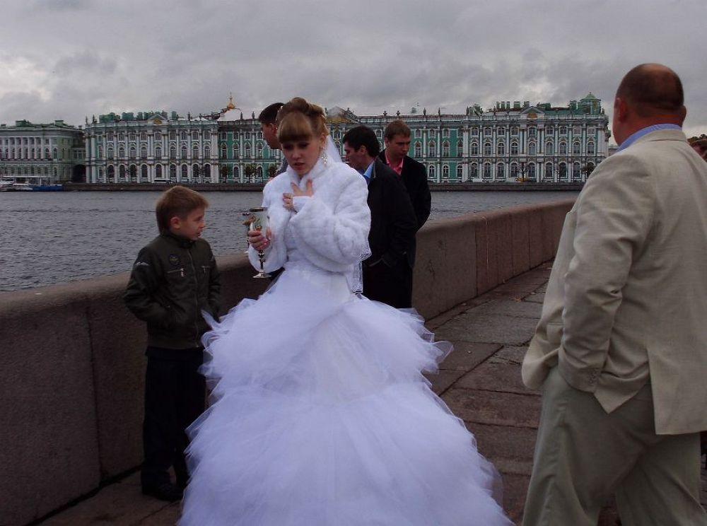The Brides over the Bridge by Mulyatna Pakde