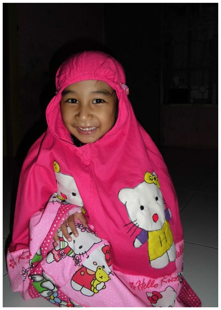 HELLO KITTY & PINK SMILE by Mulyatna Pakde