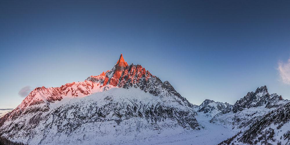 Mountain Highway by Simeon Patarozliev