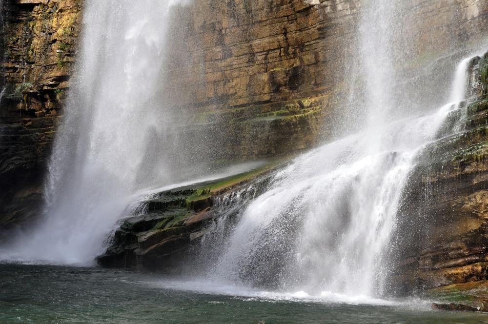 Waterfall by erenefeoglu