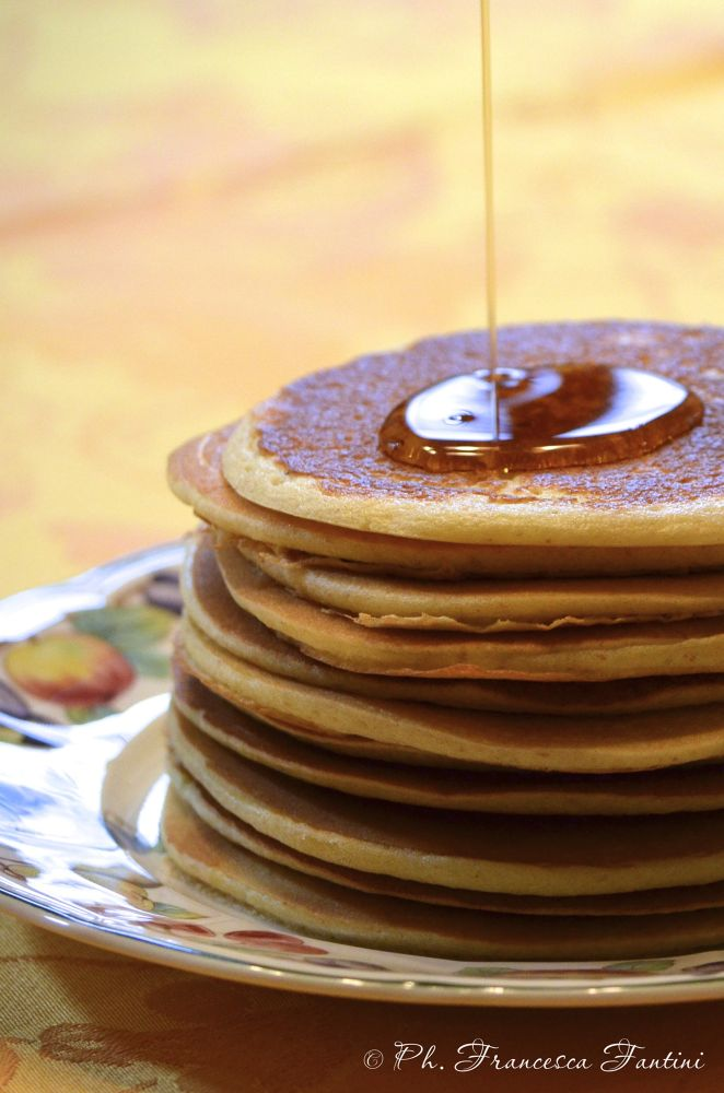 Pancakes with maple syrup by Francesca Fantini