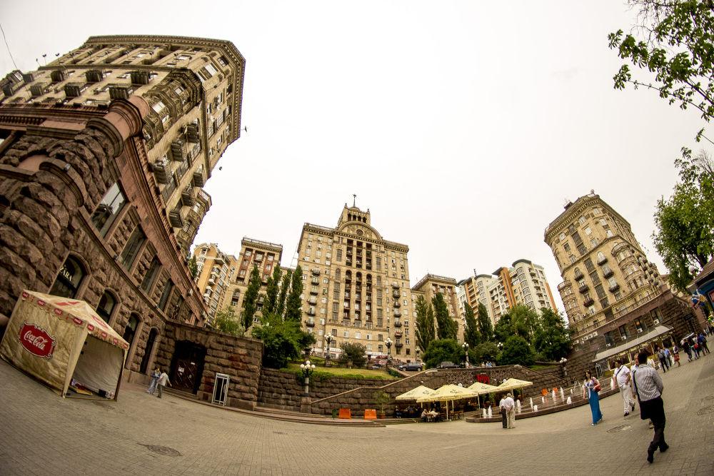 Kiev City center, Kiev, Ukraine.jpg by tamanm