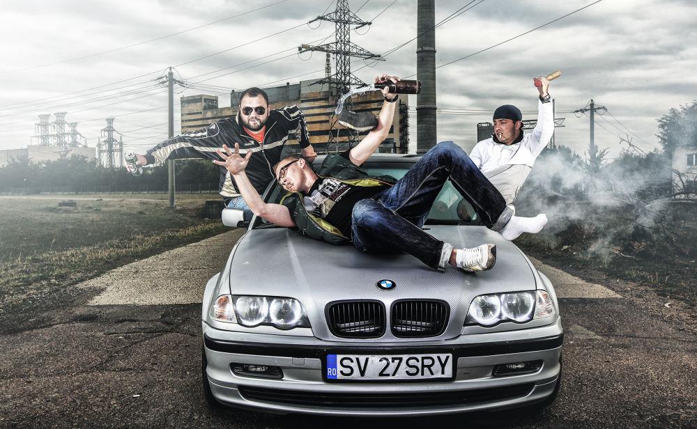 happy 3 friends by Alexandru Vorobchevici
