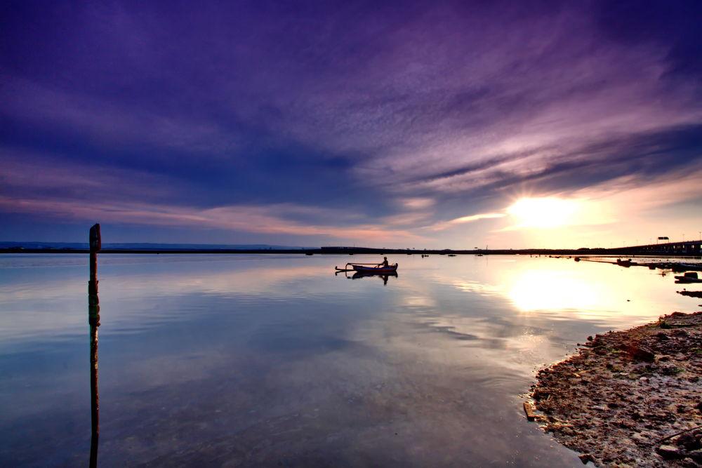 Pelabuhan Benoa by Hendra Gunawan