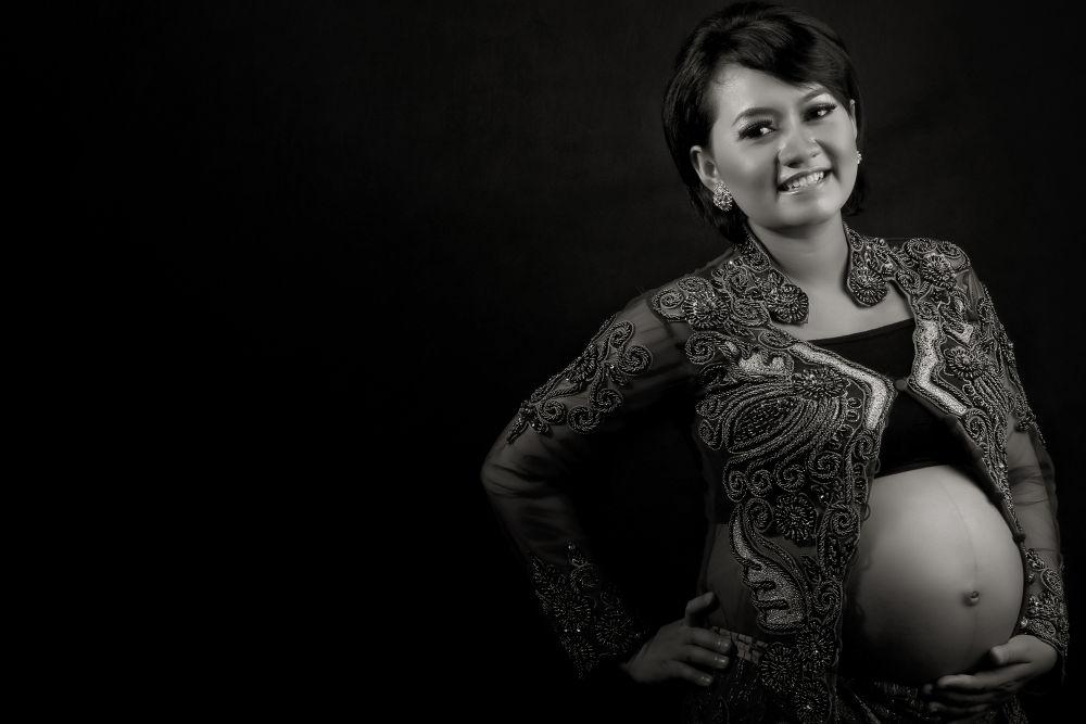 pregnant by hari wiwoho
