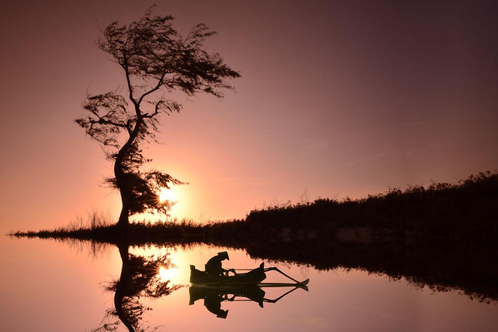 Fisherman by Didik Hariadi Mahsyar