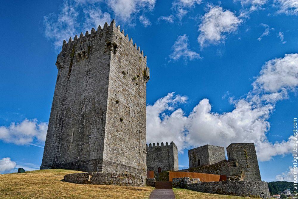 Castillo de Montalegre by turismoenportugal