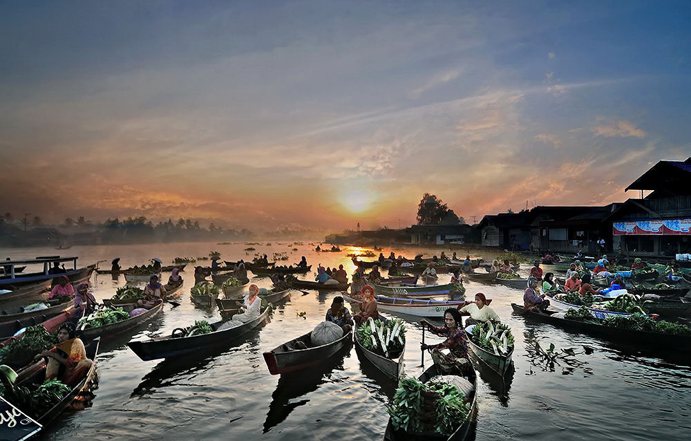 floating market in the morning by yulianamin