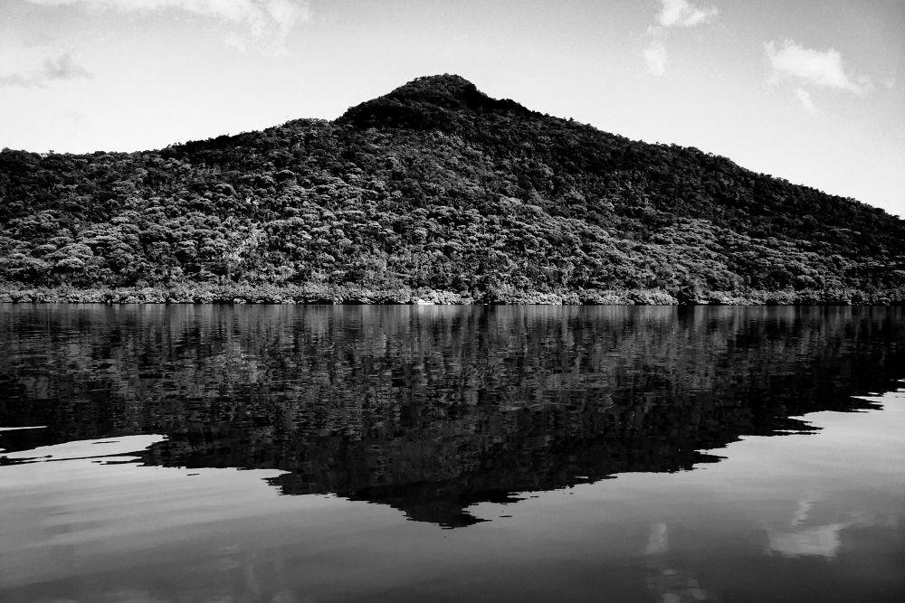 Black Mirror ... by Maum
