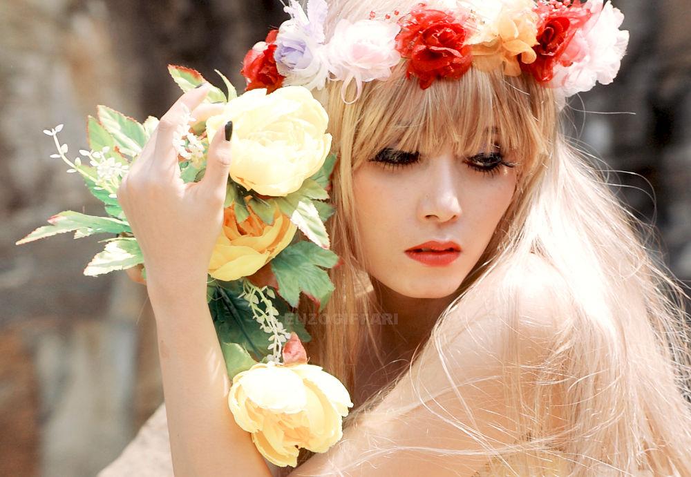 flower by einzoenes