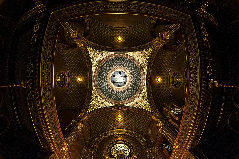 Synagogue by David Luengo